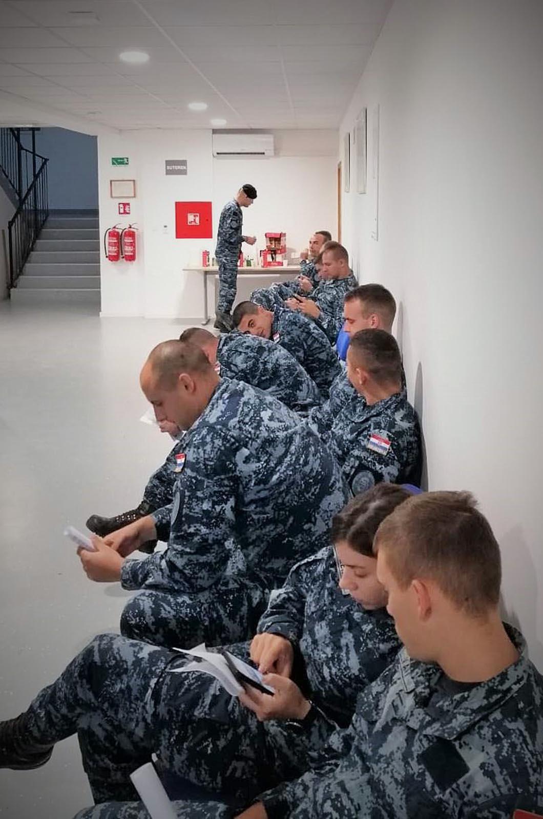 """Akcija darivanja krvi u vojarni """"116. brigada HV""""-a u Pločama"""
