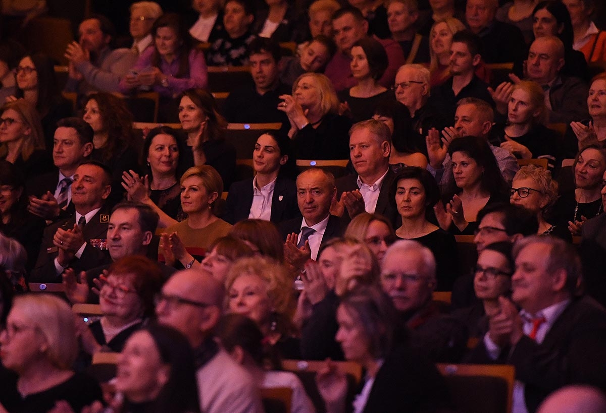 Božićni koncert Simfonijskog puhačkog orkestra HV-a u Lisinskom