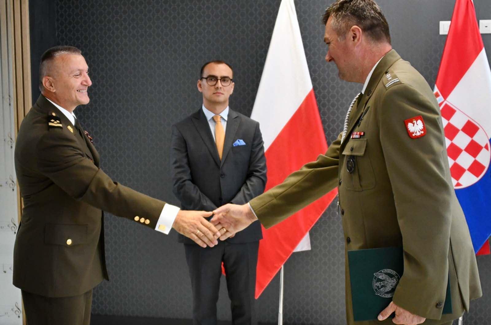 "Časnički namjesnik Željko Bilić odlikovan odličjem ""Afghanistan Star"""