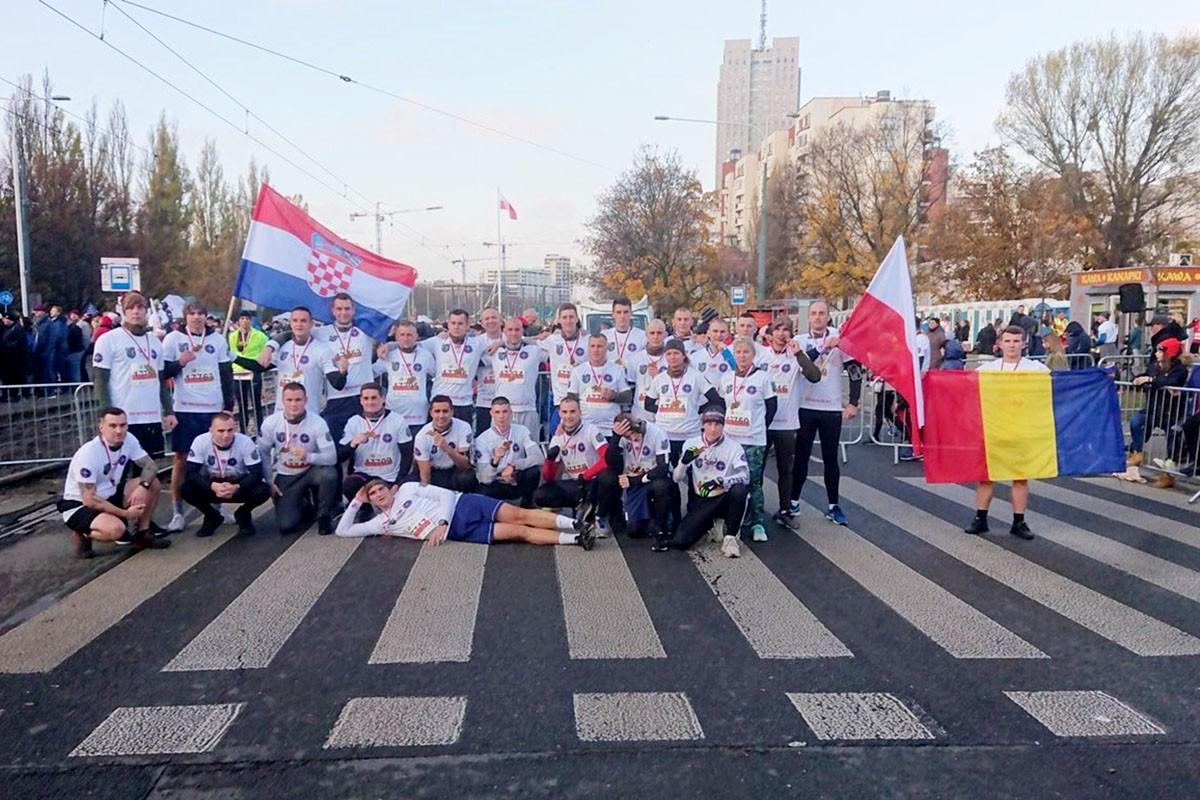 Pripadnici 5. hrvatskog kontingenta u Poljskoj zajedno sa američkim i rumunjskim kolegama proveli gađanje iz osobnog pješačkog naoružanja | Foto: 5. HRVCON