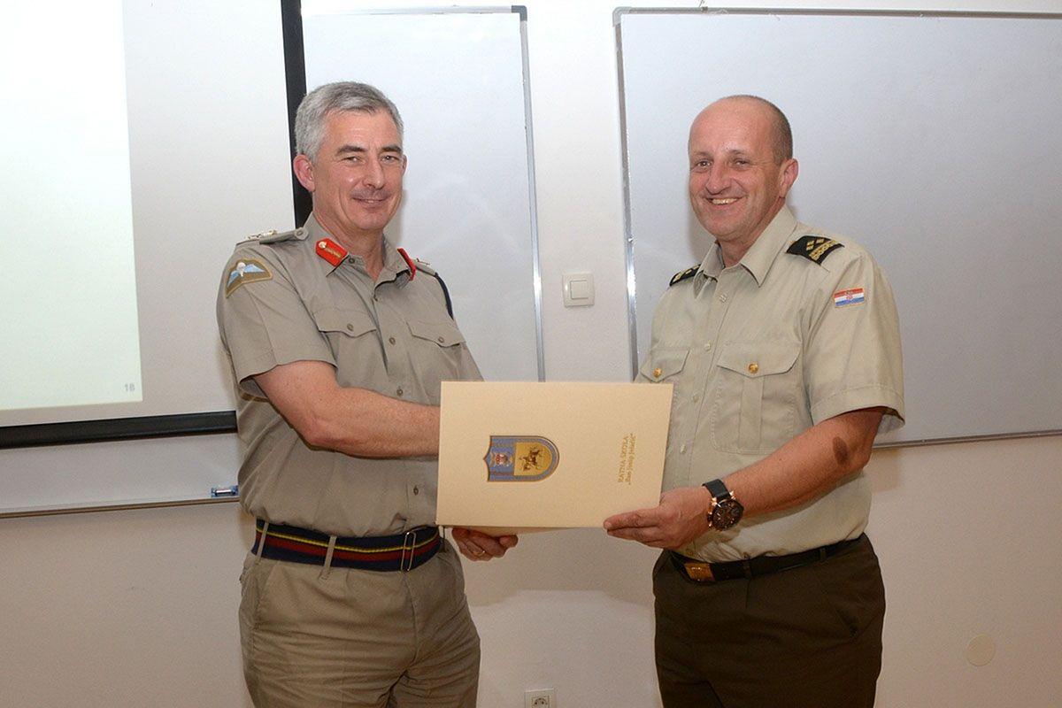 General Bevis održao predavanje polaznicima Ratne škole