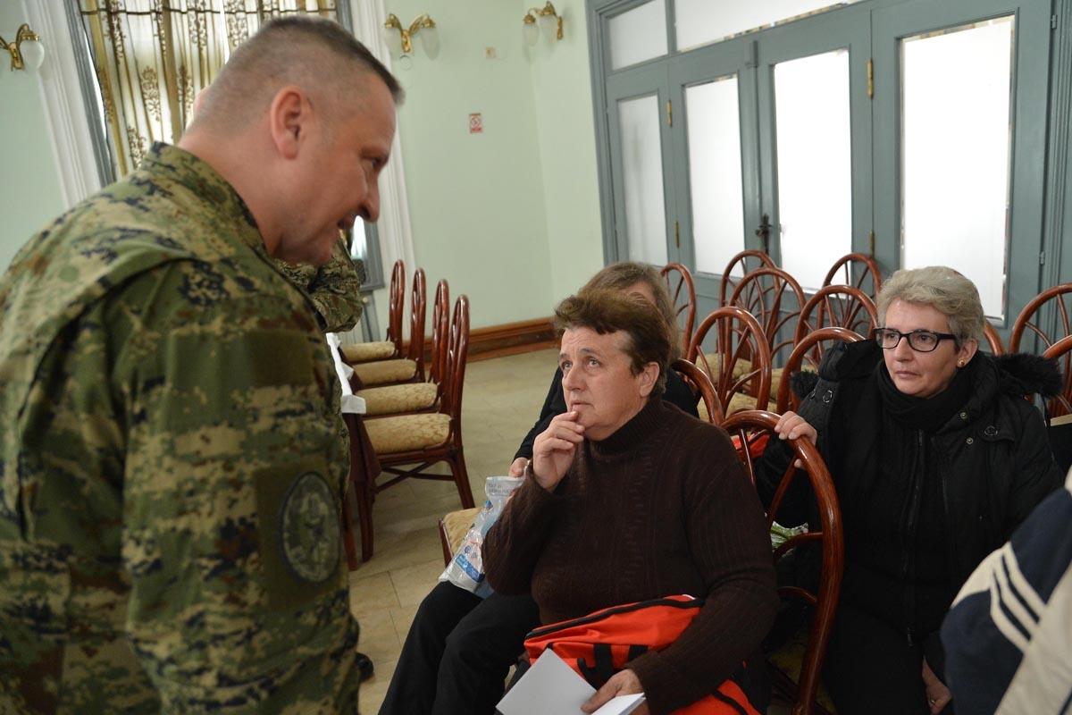 General Jurković obišao mještane u Hrvatskoj Kostajnici