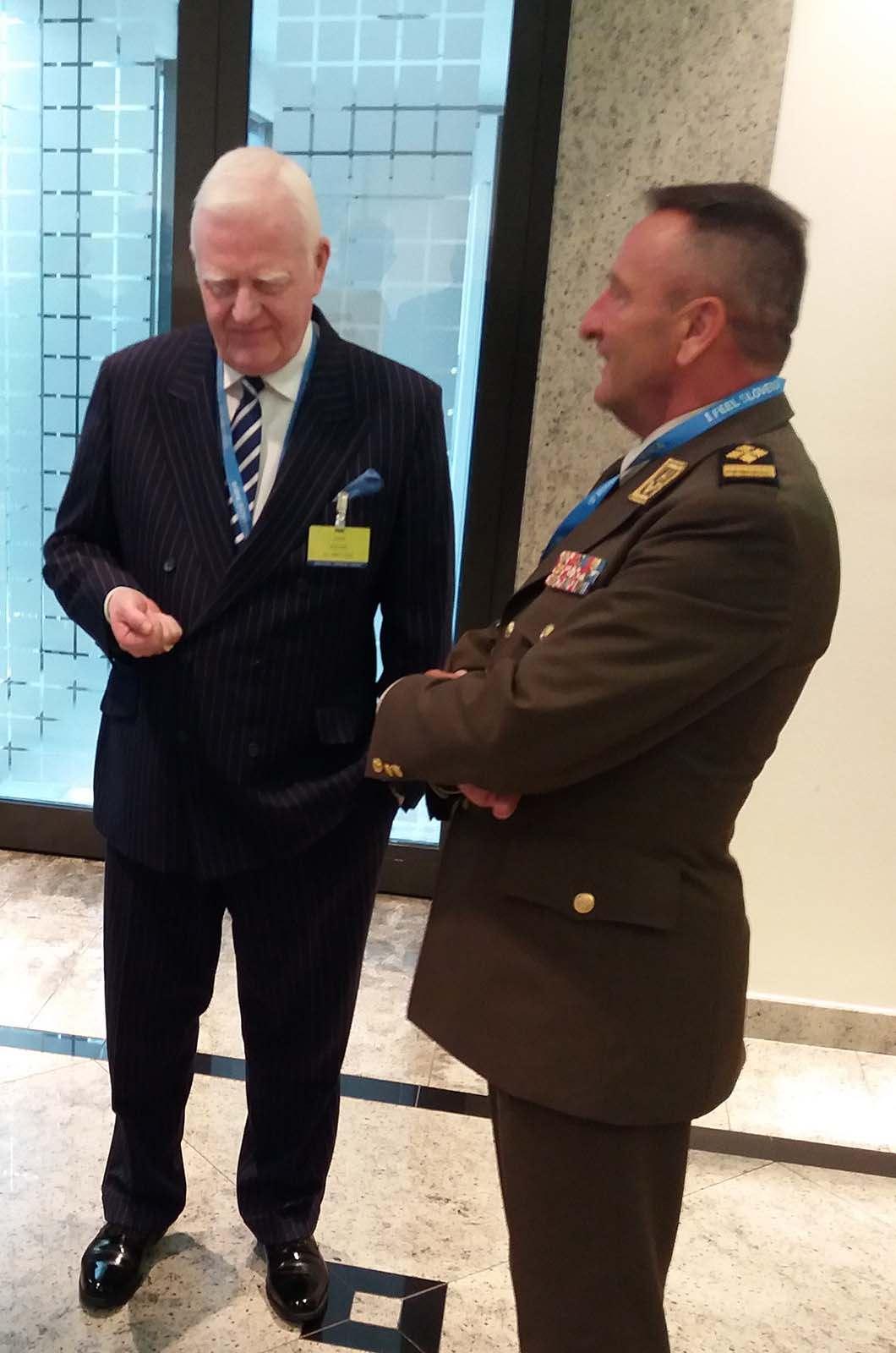 General Šundov uručio odlikovanje američkom generalu Dunfordu