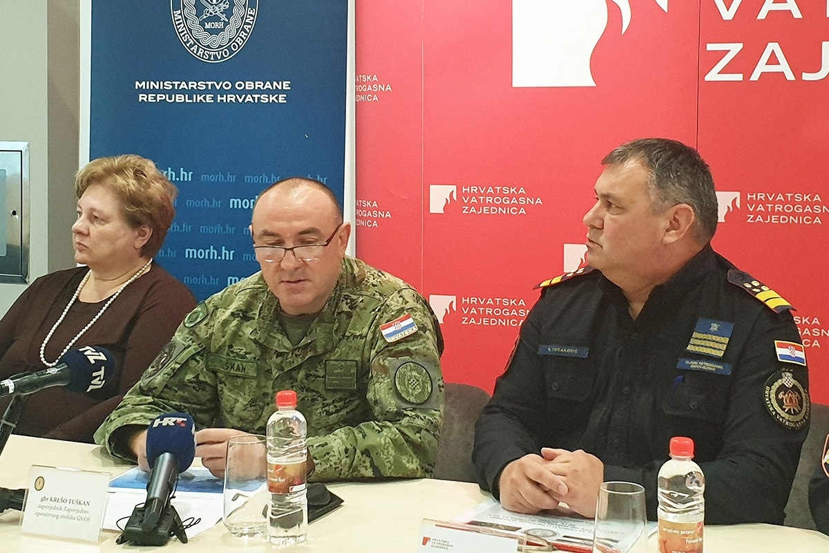 General Tuškan na konferenciji za medije o završetku Protupožarne sezone