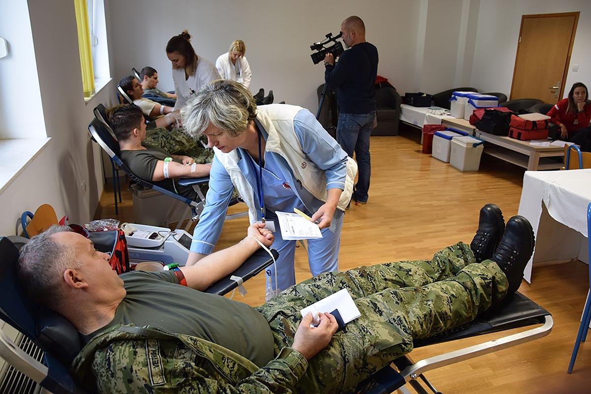 Hrvatska Vojska iz Zemunika za Škabrnju i Vukovar