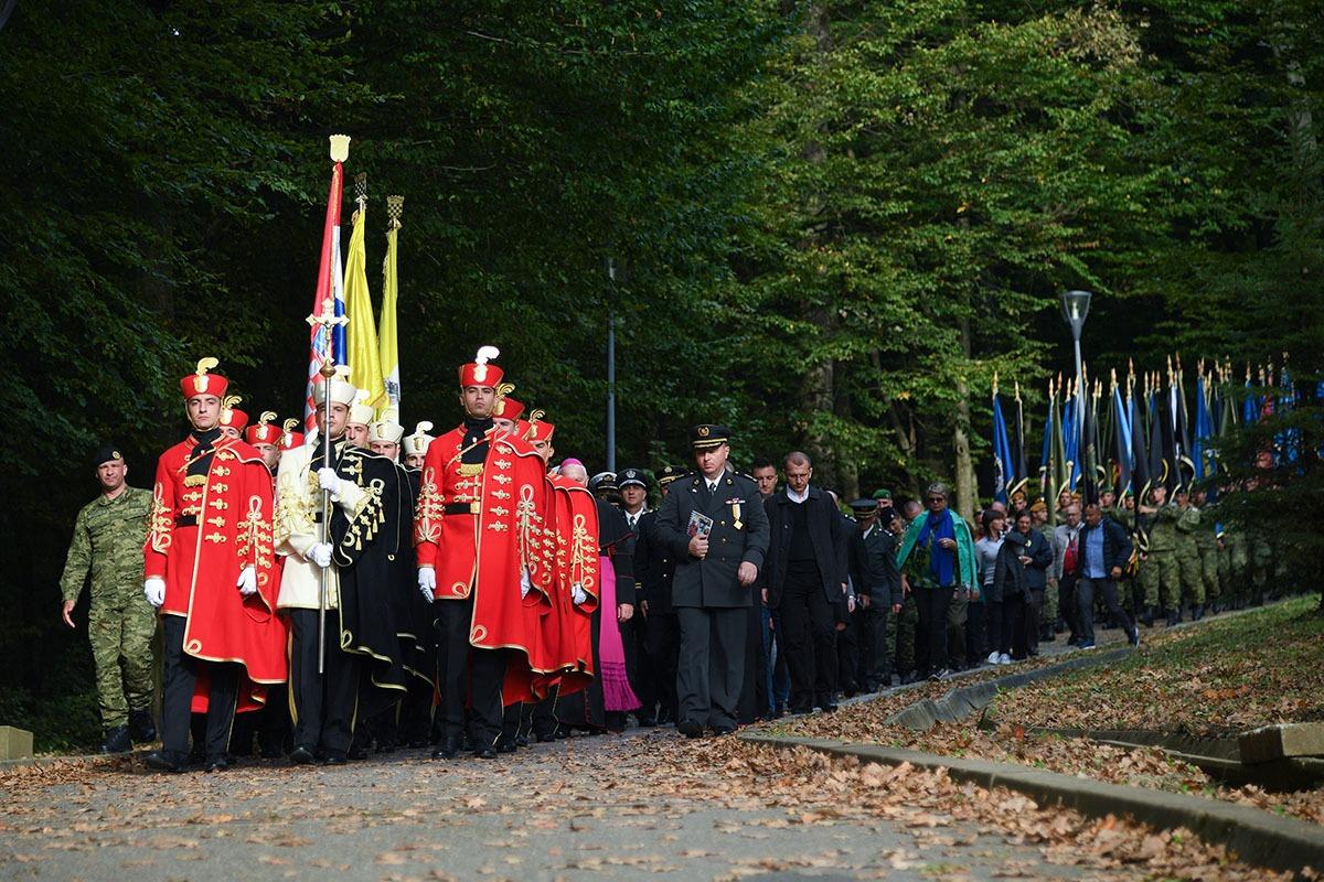 Hrvatska vojska na Križnom putu u Mariji Bistrici