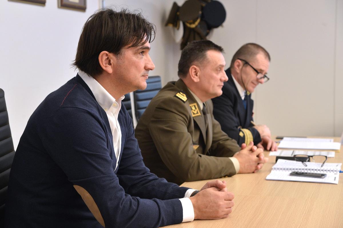 Izbornik Dalić održao predavanje u MORH-u
