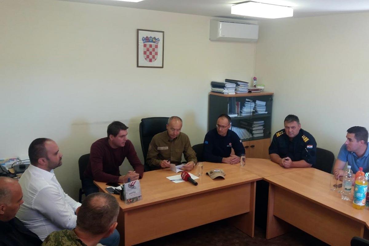 Ministar Krstičević u obilasku požarišta u Dubrovačko-neretvanskoj županiji
