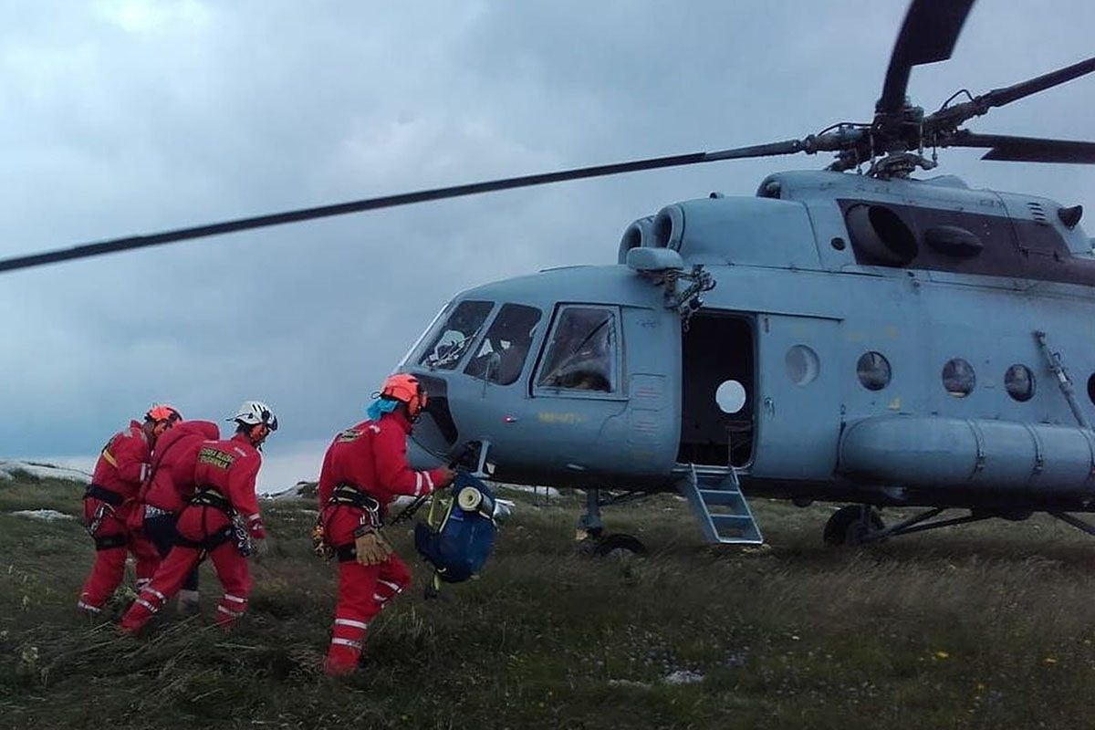 Letačka posada HRZ-a u dvije akcije spašavanja, Kamešnica