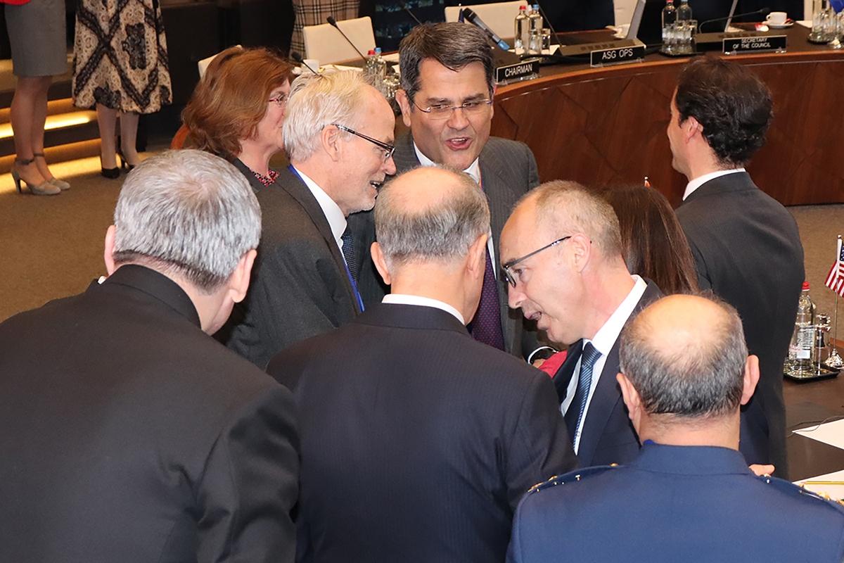 Ministar Krstičević na sastanku ministara obrane NATO-a