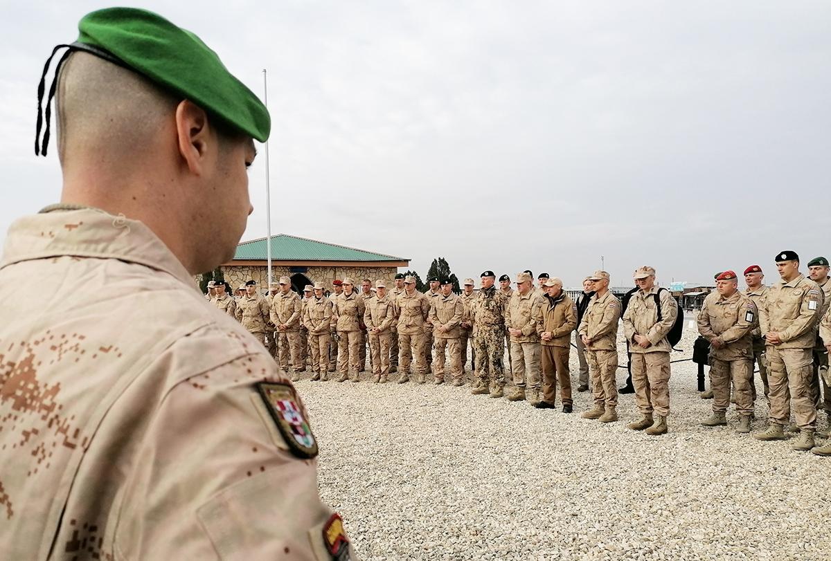 Ministar Krstičević posjetio hrvatske vojnike u kampu Marmal u Afganistanu | Foto: MORH