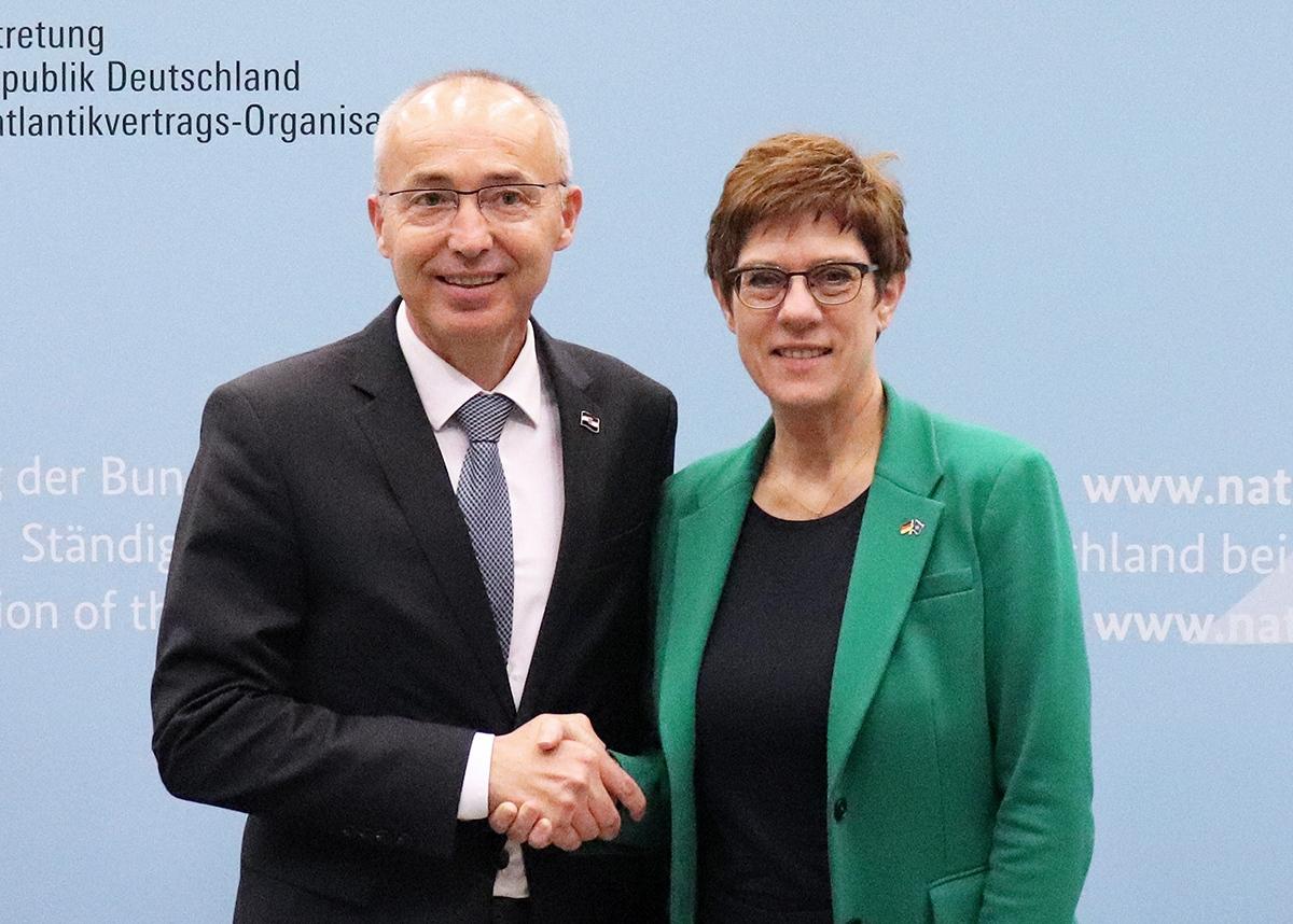 Ministar Krstičević s njemačkom ministricom obrane
