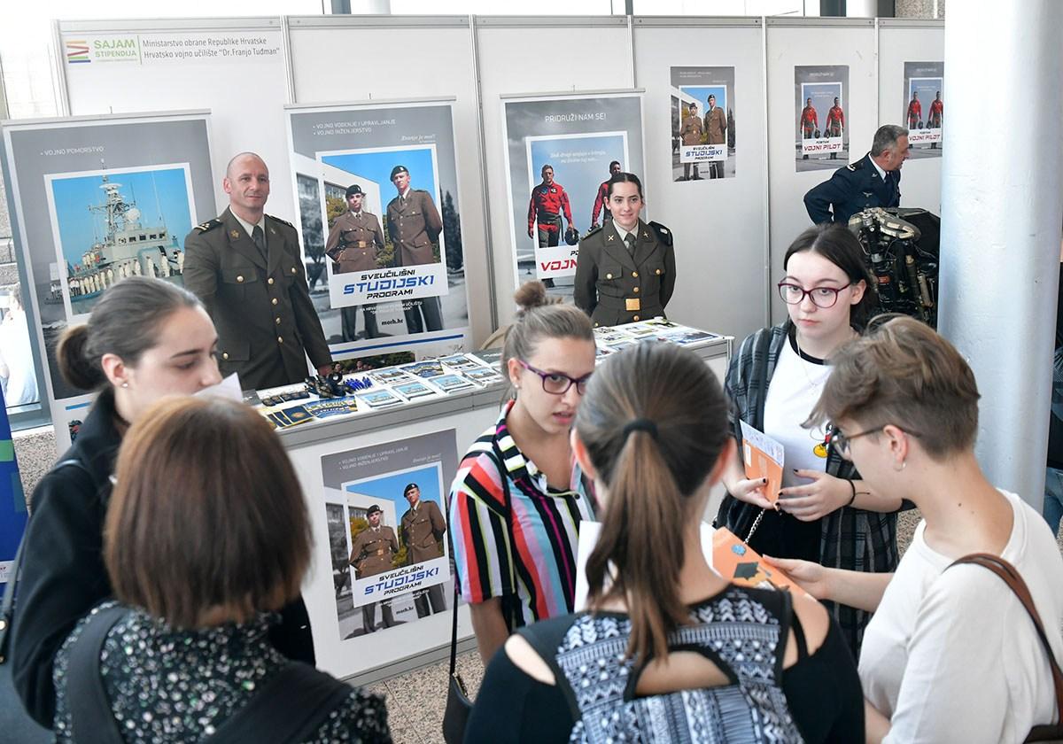 MORH na sajmu stipendija u Zagrebu i Rijeci