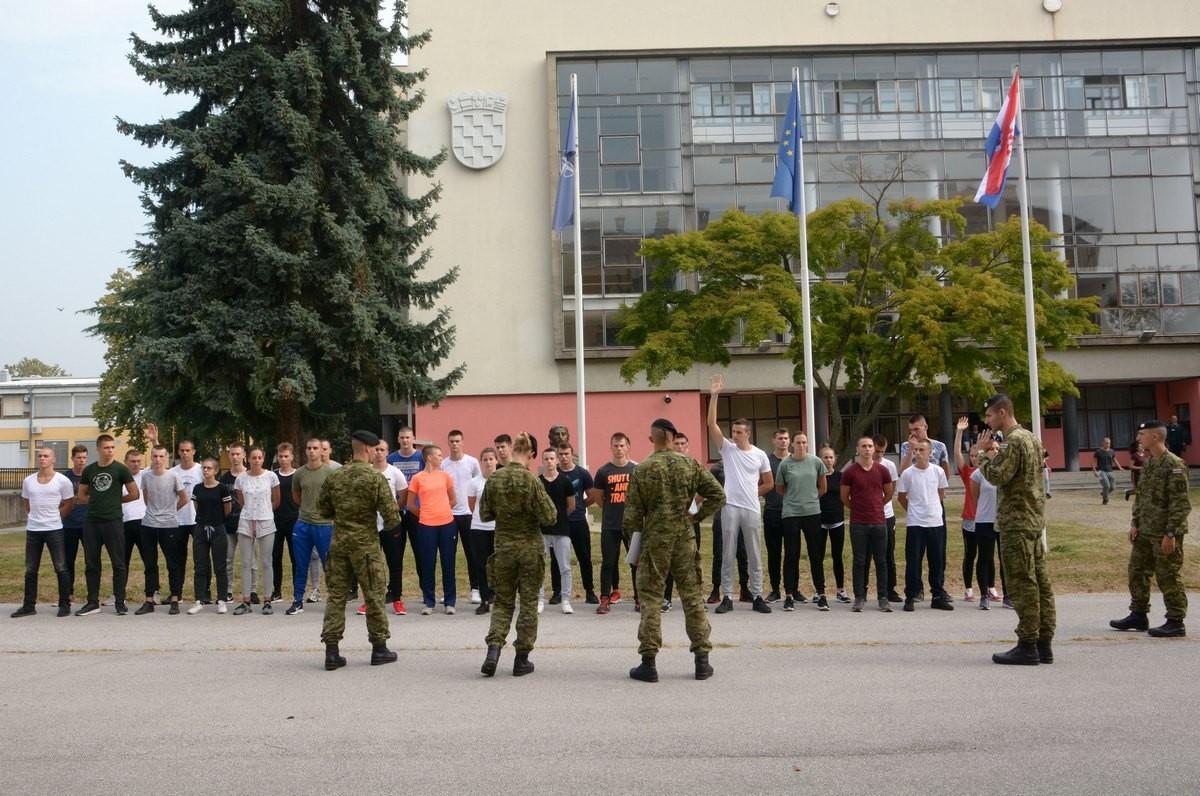Na HVU počeo Pripremni kamp kadeta i vojna izobrazba
