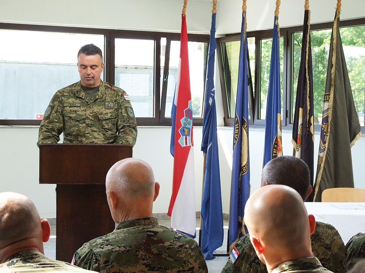 Primopredaja zapovjednika Pješačke pukovnije na VP Gašinci