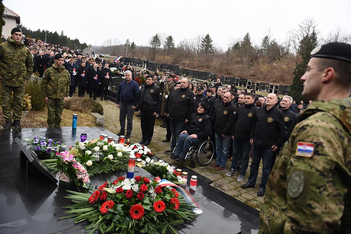 Obilježena 26.obljetnica pogiblje Damira Tomljanovića Gavrana   Foto: MORH / M. Čobanović