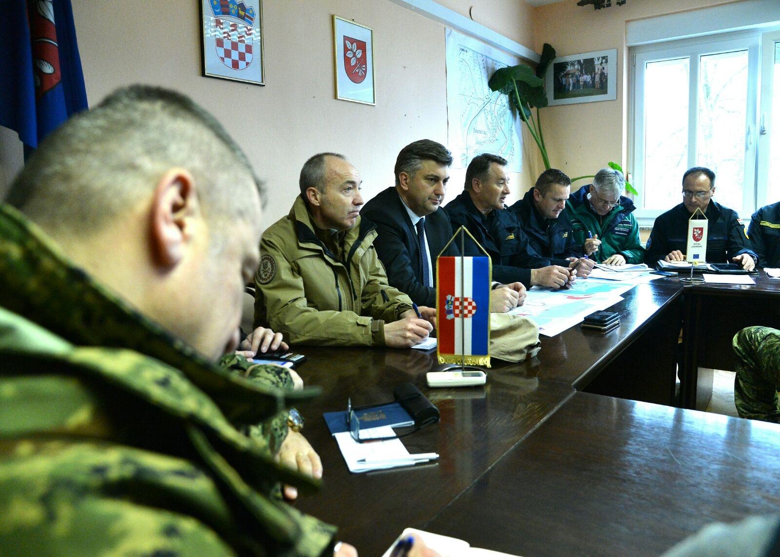 jasPlenković, Krstičević i Ćorić na Kriznom stožeru u Jasenovcu