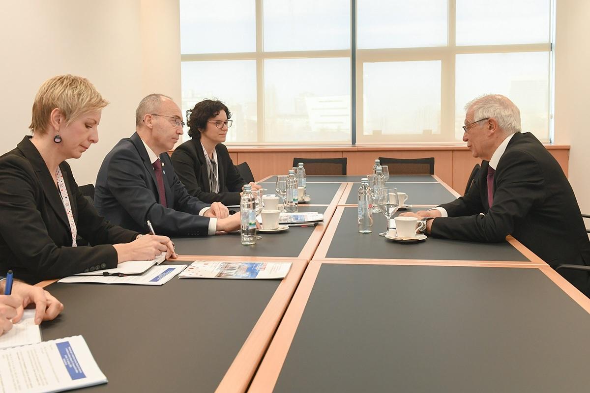 Ministar Krstičević s visokim predstavnikom EU-a za vanjske poslove i sigurnosnu politiku Borrellom