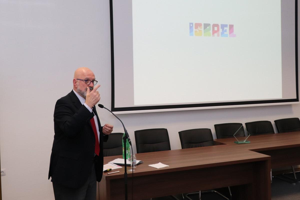 Polaznici Ratne škole na predavanju Veleposlanika Države Izrael