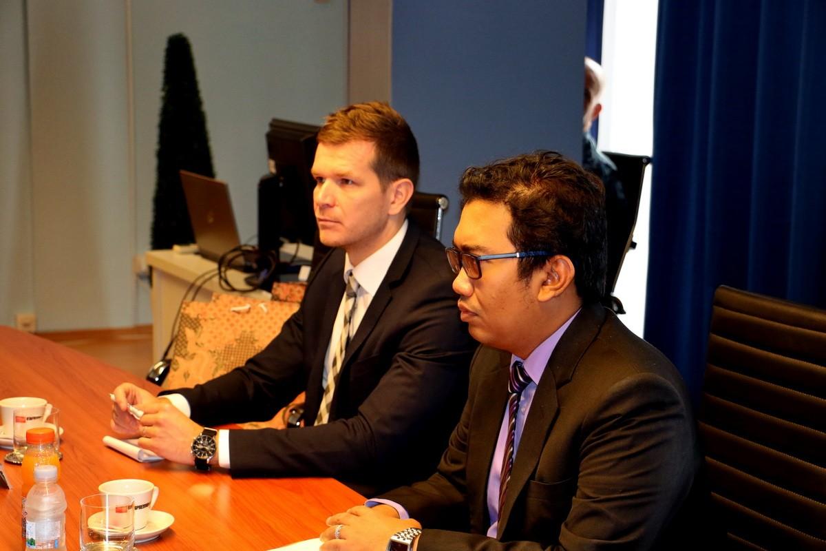 Indonezijsko izaslanstvo na čelu s prvim tajnikom Wasanom Adijem Nugrahom u službenom posjetu Obalnoj straži   Foto: MORH / D. Mišić