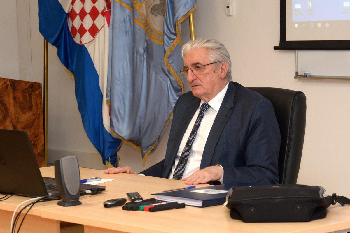 Predavanje Miroslava Tuđmana polaznicima Ratne škole | Foto: HVU / M. Sever