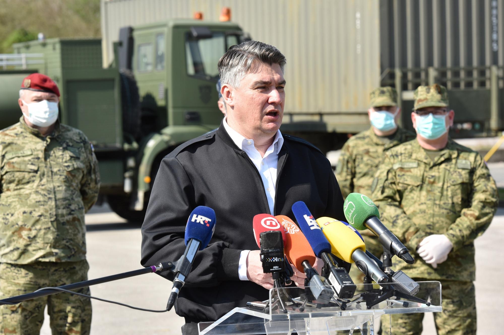 Predsjednik Milanović i ministar Krstičević obišli ekspedicijski kamp i šatore ispred KB Dubrava