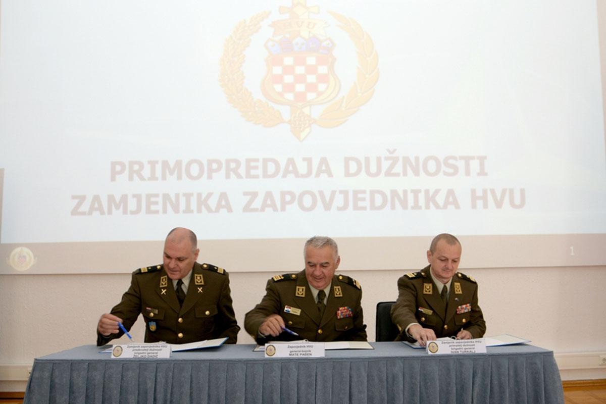 """Primopredaja dužnosti zamjenika zapovjednika HVU-a """"Dr. Franjo Tuđman"""""""