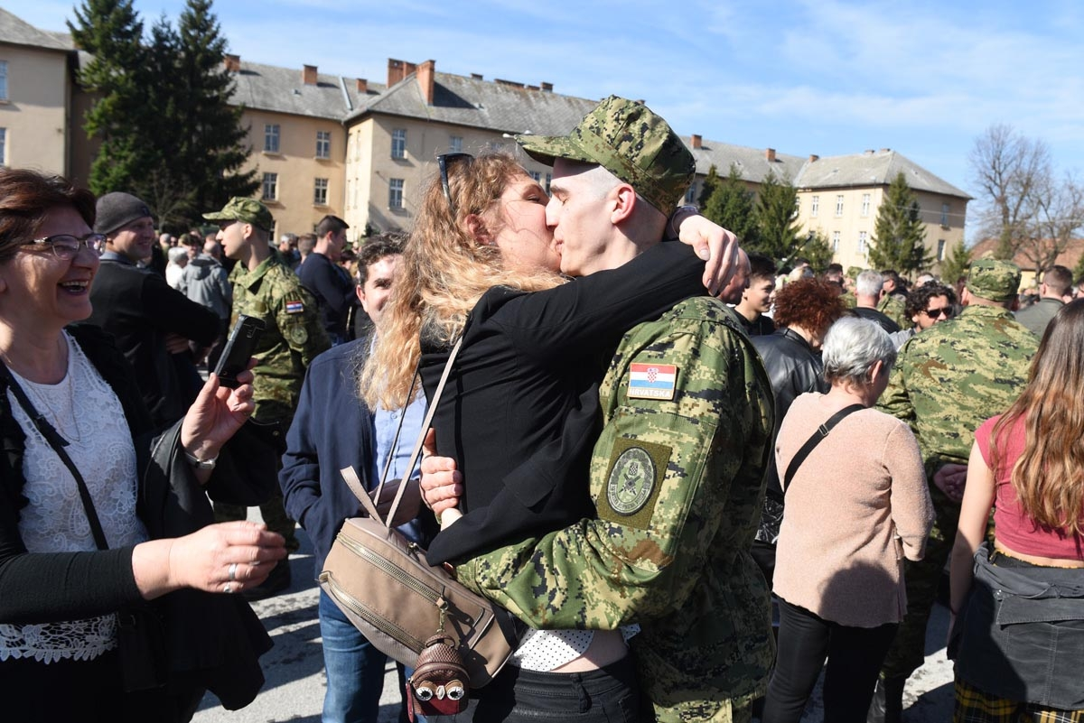 """""""Pristupanjem dragovoljnom vojnom osposobljavanju činite obrambeni sustav jačim i boljim"""", poručio je ročnicima ministar Krstičević"""
