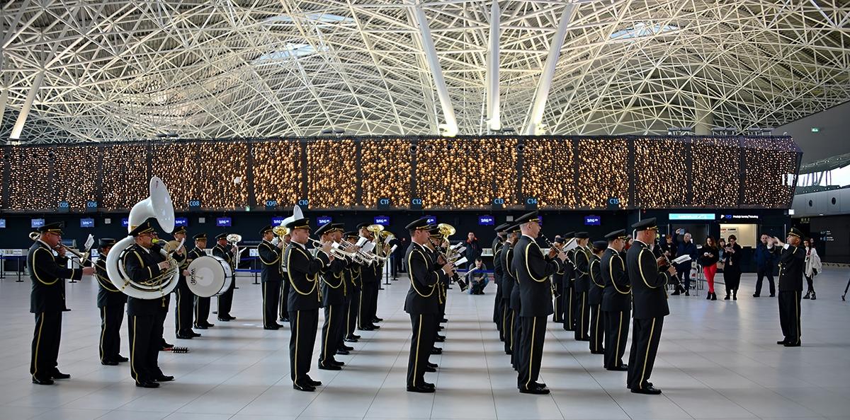 Simfonijski puhački orkestar HV-a u Zračnoj luci Franjo Tuđman