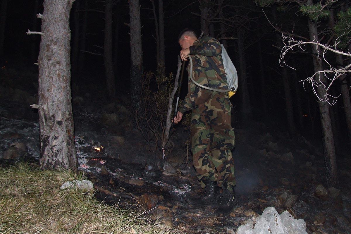 Sto pripadnika Gmtbr angažirano u gašenju požara u području Selca