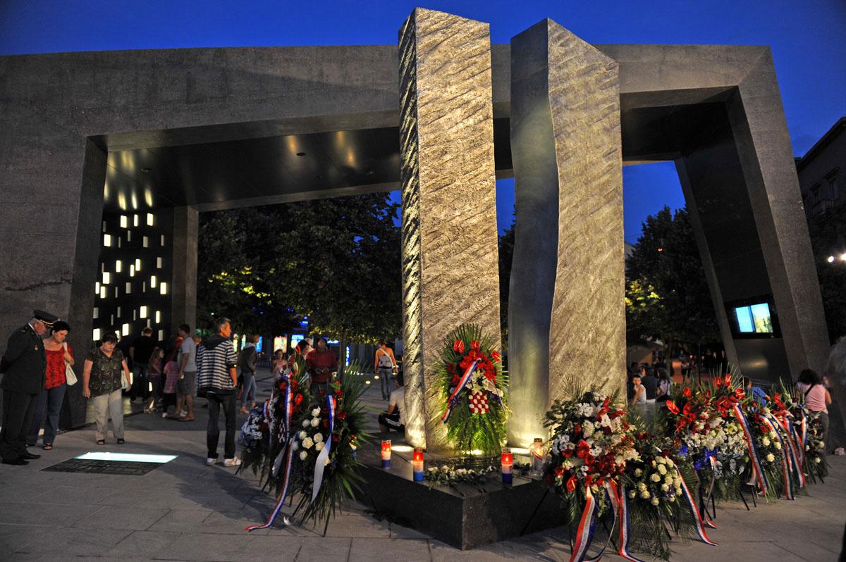 Image result for spomenik oluja knin