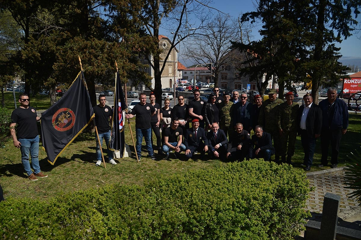 Na Trgu dr. Franje Tuđmana u Sinju u ponedjeljak, 1. travnja 2019., održana je središnja svečanost povodom obilježavanja 12. obljetnice ustroja Gardijske mehanizirane brigade Hrvatske kopnene vojske.  Naime, ovo je prvi put da se obljetnica Gardijske mehanizirane brigade održava u gradu Sinju pa su tako, uz pripadnike Hrvatske vojske, svečanost uveličali sinjski alkari i sinjske mažoretkinje.