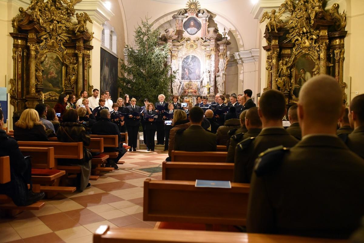 Zbor HRM-a predstavio se zagrebačkoj publici