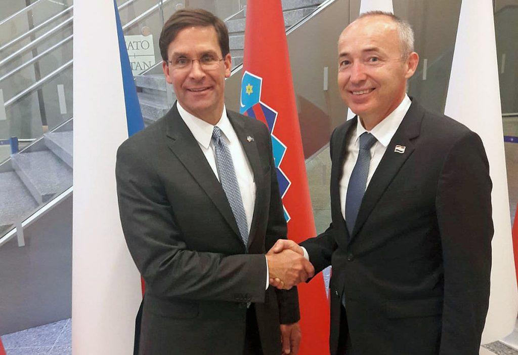 Ministar Krstičević s američkim ministrom obrane Markom Esperom