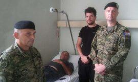 Zapovjednik Tigrova posjetio gospodina Vale u pulskoj bolnici