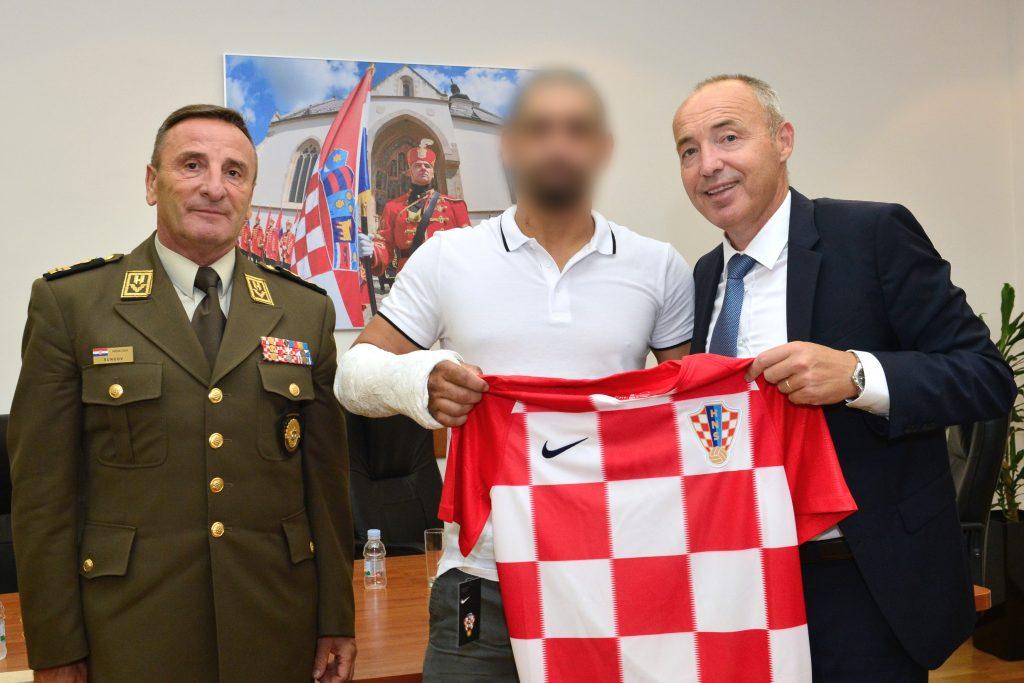 Ministar Krstičević i general Šundov primili pripadnika ZSS-a ozlijeđenog u Afganistanu