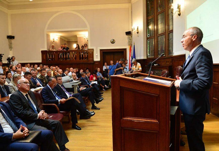 Ministar Krstičević i direktor EDA-e Jorge Domecq u HGK