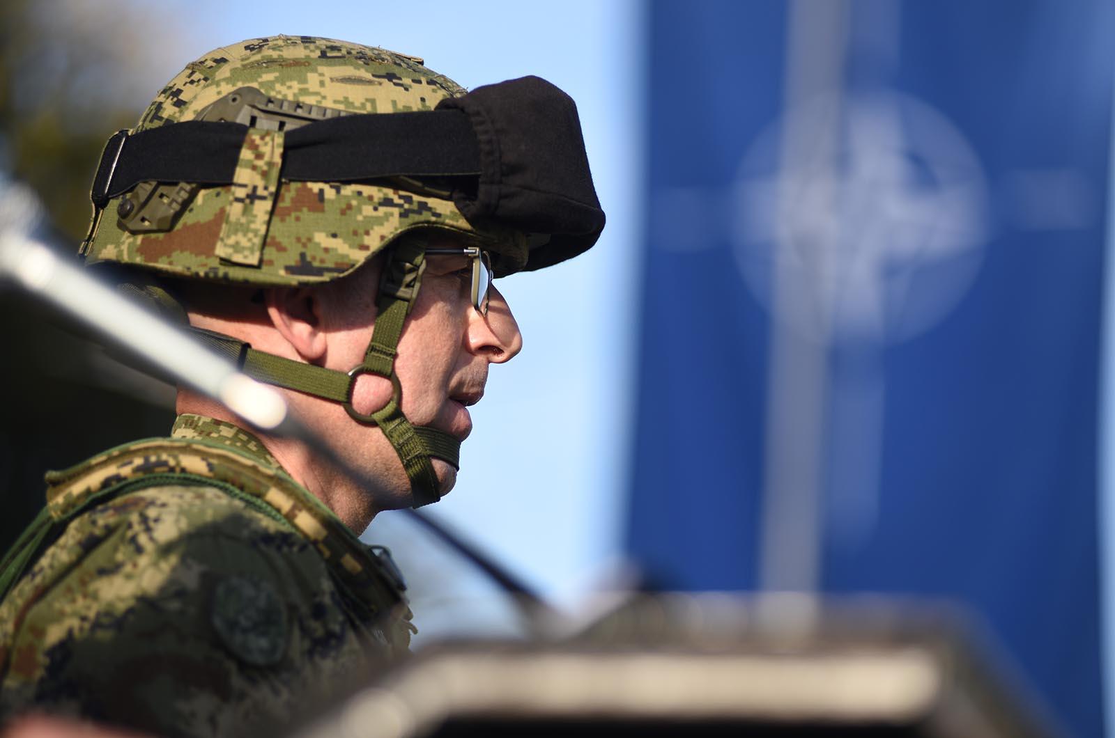 Zapovjednik 5. HRVCON-a eFPBG – POL bojnik Marijan Žukina